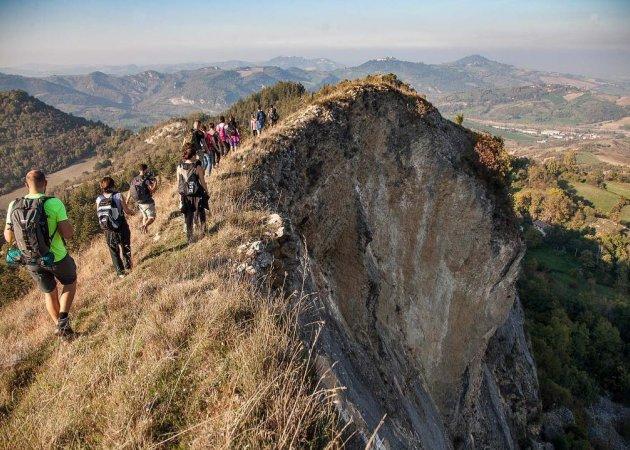 Le Piccole Dolomiti della Valmarecchia e la Cresta dei Tausani
